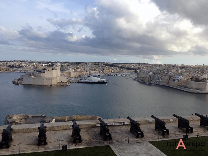 Malta ucuz uçak bileti THY
